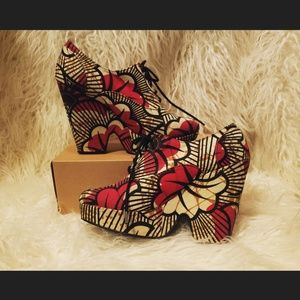 Ecote Split Wedge Red Floral Pattern Heel